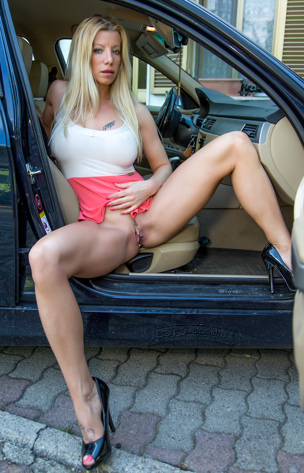 Handjob in my car by my pof date
